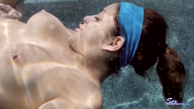 Watch Online Porn – Mia Martinez Under Water pt.1 (MP4, HD, 1280×720)