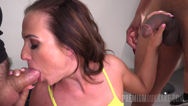 Watch Online Porn – Premiumbukkake presents Vinna Reed #1 – Blowbang (MP4, FullHD, 1920×1080)