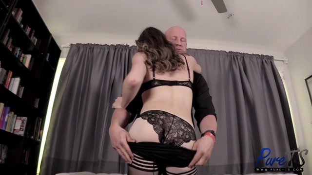 Pure-ts_presents_Petra_Parker_A_Sad_Day_Turns_Into_Something_Fantastic___03.06.2019.mp4.00003.jpg