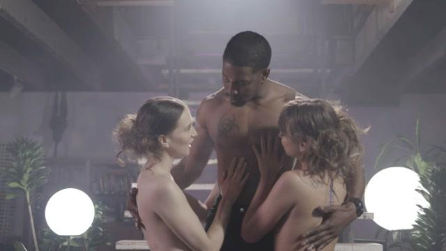 Watch Online Porn – ReidMyLips presents Riley Reid, Izzy Lush in Sluts In Stockings 2 – 19.06.2019 (MP4, HD, 1280×720)