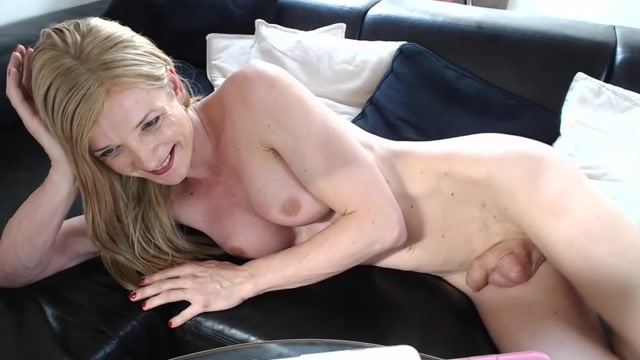 Watch Online Porn – Shemale Webcams Video for June 12, 2019 – 32 (MP4, SD, 854×480)