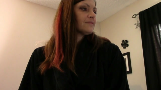 Taboo_Mom_Natasha_-_Mom_risks_it_all.mp4.00003.jpg
