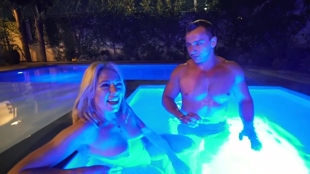 Watch Free Porno Online – VitalyUncensored presents Episode 10 Hot Tub & Nutella Tasting! (MP4, FullHD, 1920×1080)