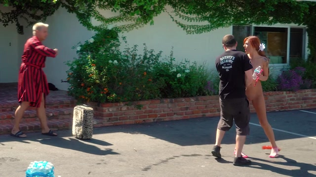 Watch Online Porn – VitalyUncensored presents Episode 21 Rollaway Suitcase Prank! (MP4, FullHD, 1920×1080)