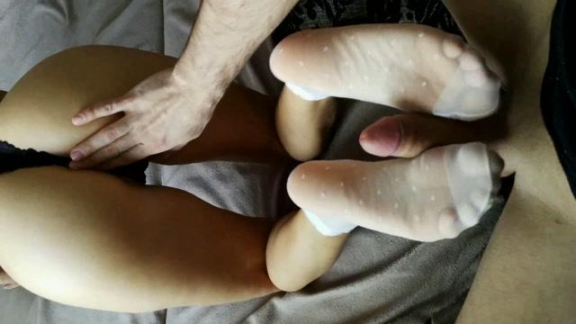 Watch Online Porn – midju_show 012 Footjob and Cumshot on the Ass (MP4, FullHD, 1920×1080)