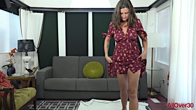 Watch Online Porn – Allover30 presents CJ 41 years old Mature Housewives – 25.07.2019 (MP4, FullHD, 1920×1080)