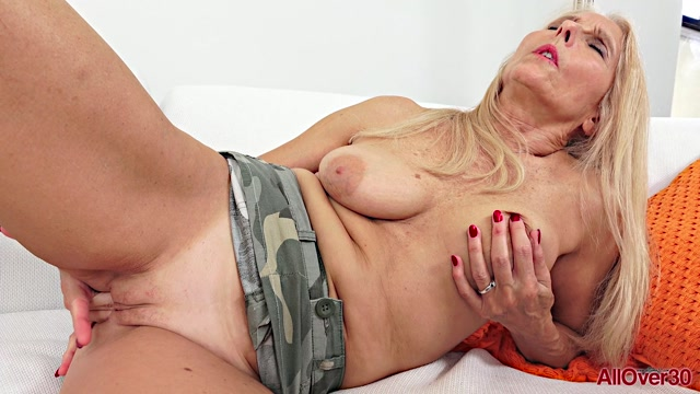 Watch Online Porn – Allover30 presents Chery Leigh 60 years old Mature Pleasure – 27.07.2019 (MP4, FullHD, 1920×1080)