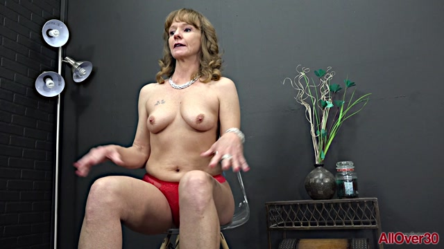 Allover30_presents_Cyndi_Sinclair_51_years_old_Mature_Pleasure___19.07.2019.mp4.00010.jpg