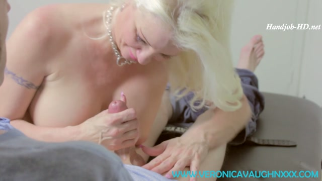 Auntie_Veronica_Gives_You_First_Handjob_-_Veronica_Vaughn.mp4.00013.jpg