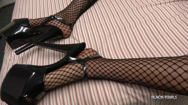 Watch Online Porn – Black-tgirls presents Kimberly Bukakee Shoots A Huge Load! – 09.07.2018 (MP4, HD, 1280×720)