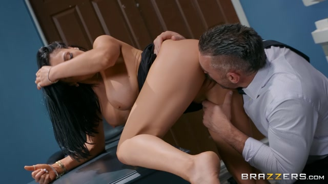 Watch Online Porn – Brazzers – BigTitsAtWork presents Audrey Bitoni in Emergency Dick Distraction – 27.07.2019 (MP4, FullHD, 1920×1080)