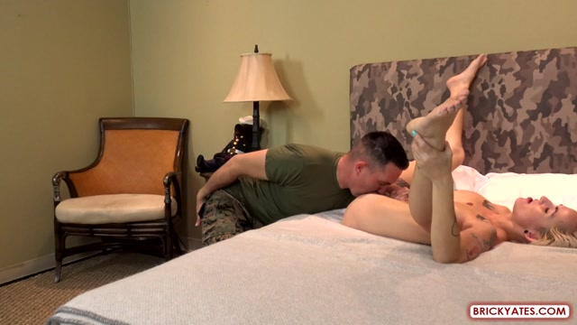 Watch Online Porn – BrickYates presents Adam and Raylee in MARINE FUCKS HIS WIFE WITH SOCKS AND BOOTSTRAPS ON (MP4, FullHD, 1920×1080)