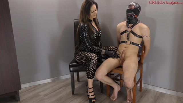 Watch Online Porn – CRUEL MISTRESSES – Very hard. Starring Mistress Cleo (MP4, FullHD, 1920×1080)