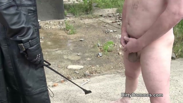 Watch Online Porn – Dirty Dommes – Ballbusting with military precision. Starring Fetish Liza (MP4, HD, 1280×720)