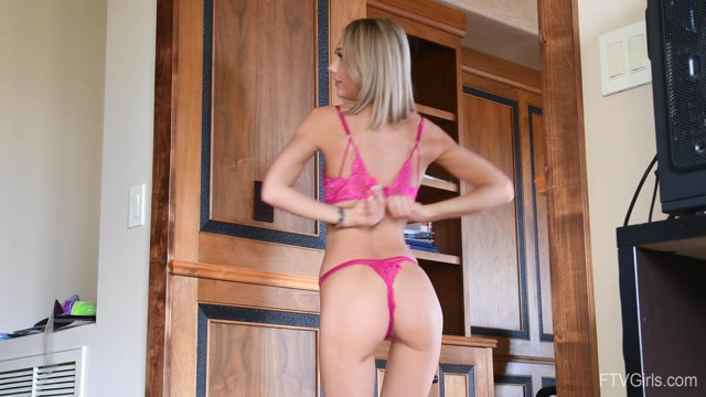 Watch Online Porn – FTVGirls presents Skye – Canadian Blonde – Beauty Up North _5 (MP4, FullHD, 1920×1080)
