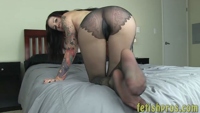 Watch Online Porn – FetishPros presents 105-02 Krista Kaos Foot Tease Street Clothes (MP4, HD, 1280×720)