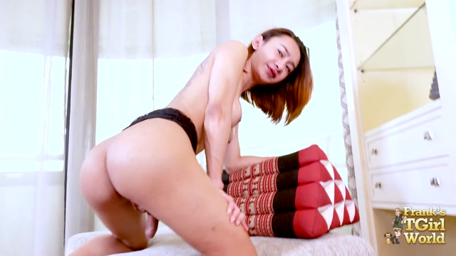 Franks-tgirlworld_presents_Pim_s_Huge_Orgasm____11.07.2019.mp4.00012.jpg