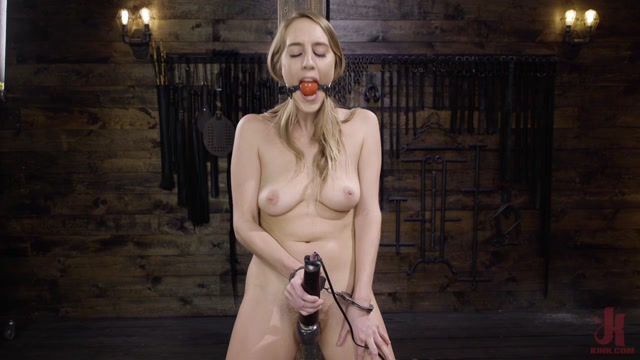 Watch Online Porn – FuckingMachines presents Cadence Lux: Suspension Bondage, Sybian, and Squirting Orgasms – 17.07.2019 (MP4, HD, 1280×720)