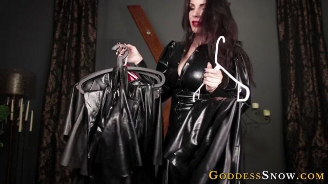 Goddess_Alexandra_Snow_-_Lowly_Latex_Maid.mp4.00005.jpg