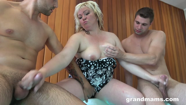 Watch Free Porno Online – GrandMams presents Mature Hot Tub Threesome (MP4, FullHD, 1920×1080)