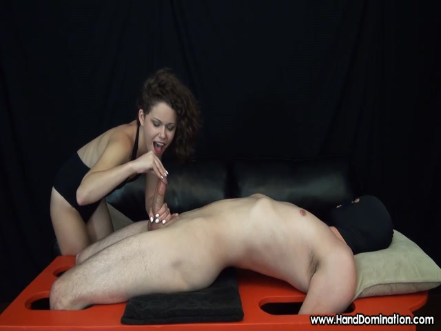 HandDomination_-_Bailey_Paige_-_Her_small_hands_played_a_Big_role_in_this_RUINED_Orgasm.mp4.00008.jpg