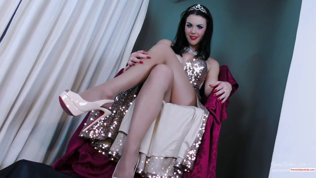 Iwantclips_presents_Goddess_Kim_s_Fantasies_in_The_Genie___the_Lamp__21.99_Young_Goddess_Kim__Premium_user_request_.mp4.00013.jpg
