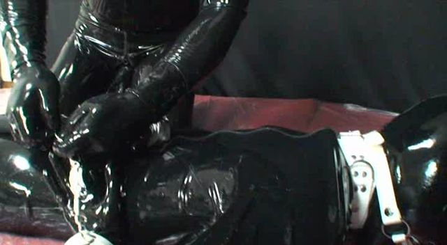 Latex_Porn___8754_-_Latex_Fetish_Video_-_DLRRS-053.WMV.00010.jpg