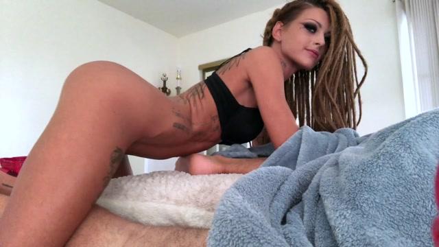 Watch Online Porn – ManyVids presents KimberveilsAZ – Waking Up A Friend For A Surprise Fuck (MP4, FullHD, 1920×1080)