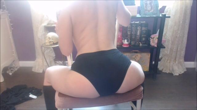 Watch Online Porn – ManyVids presents VixenxMoon – Quick Spanking _ Stretching (MP4, FullHD, 1920×1080)