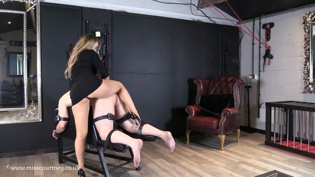 Mistress_Courtneys_Fetish_Lair_-_Ill_Ease_you_Back_In_slave.mp4.00005.jpg