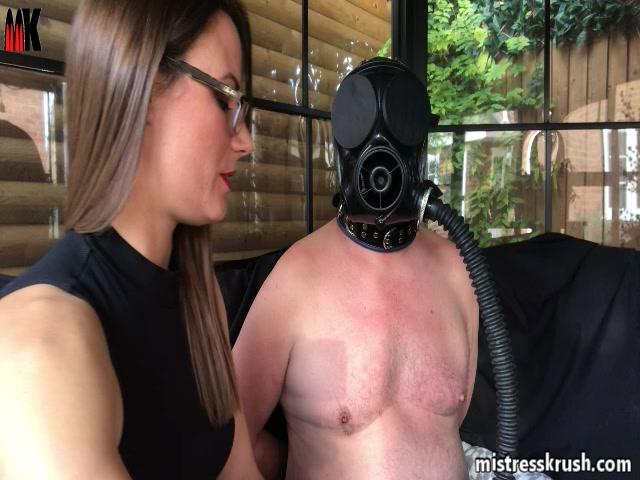 Watch Online Porn – Mistress Krush's Clips Store – Forced gasmask smoking (MP4, SD, 640×480)