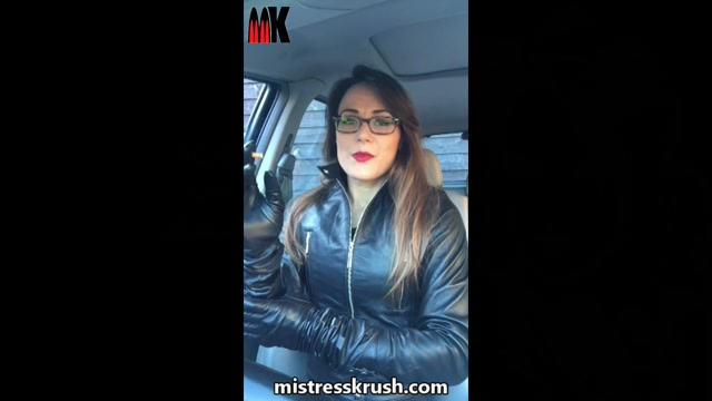Mistress_Krush_s_Clips_Store_-_Smoking_in_leather.mp4.00005.jpg