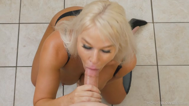 Watch Online Porn – MommyBlowsBest presents London River in Help Me – 10.07.2019 (MP4, FullHD, 1920×1080)