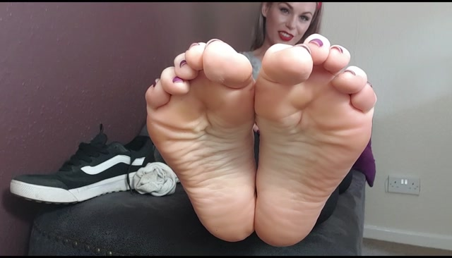 Watch Online Porn – Queengf90 – Sweaty Wet Sock POV Foot Worship JOI (MP4, FullHD, 1904×1088)