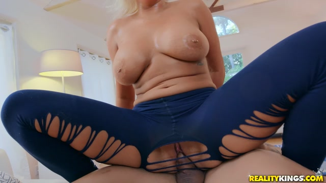 Watch Online Porn – RealityKings – MonsterCurves presents Karissa Shannon in Absolutely Bootiful In Leggings – 28.07.2019 (MP4, FullHD, 1920×1080)