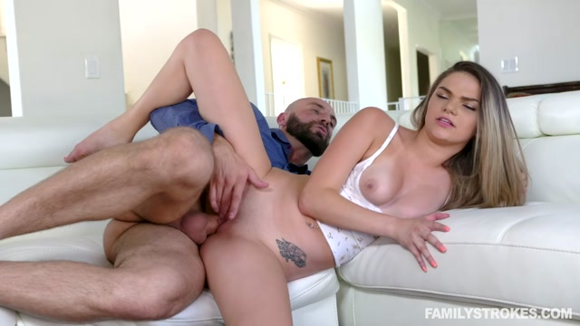Watch Online Porn – TeamSkeet – FamilyStrokes presents Athena Faris in Some Under The Table Footplay – 11.07.2019 (MP4, HD, 1280×720)