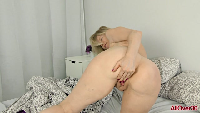 Watch Online Porn – Allover30 presents Diana V 52 years old Mature Pleasure – 14.08.2019 (MP4, FullHD, 1920×1080)