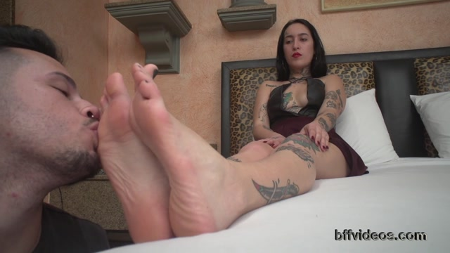 Watch Online Porn – BFF Videos  Goddess Dani Skyli First Foot Worship Pt.1 (MP4, FullHD, 1920×1080)