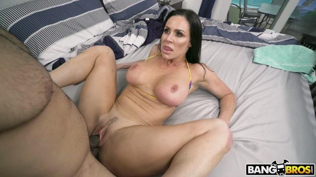 Watch Online Porn – BangBros – AssParade presents Kendra Lust Fucks Her Friend's Brother – 12.08.2019 (MP4, FullHD, 1920×1080)