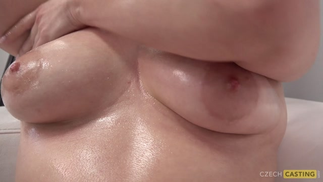 Watch Online Porn – CzechCasting presents Veronika 7263 – 03.08.2019 (MP4, FullHD, 1920×1080)