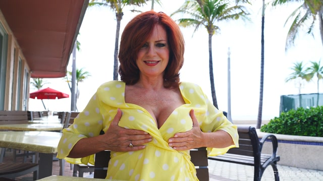 Watch Online Porn – FTVMilfs presents Izzy Lush in Gorgeous RedHead – Fun In Florida 1 – 13.08.2019 (MP4, FullHD, 1920×1080)