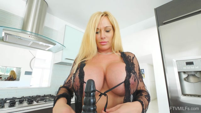 Watch Online Porn – FTVMilfs presents Tyler in Busty Lusty Blonde – Larger Than Life 6 – 20.08.2019 (MP4, FullHD, 1920×1080)