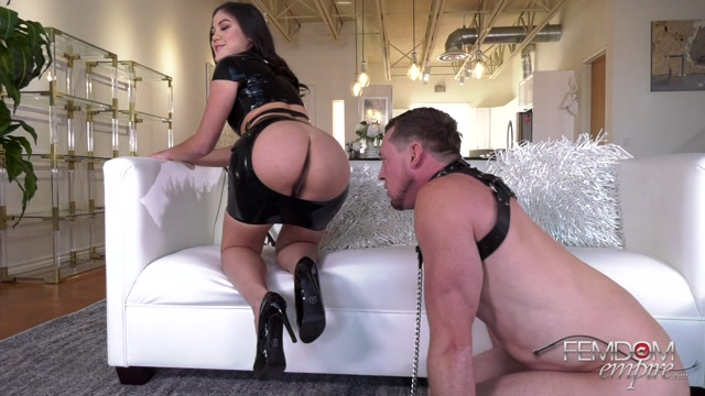 FemdomEmpire_presents_Kendra_Spade_-_Devoted_Foot_Slut___15.08.2019.mp4.00001.jpg