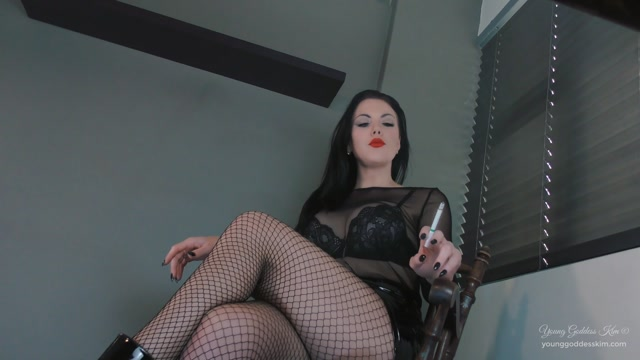 Watch Free Porno Online – Goddess Kim – Under Goddess Kim s Desk – Used as an ashtray (MP4, FullHD, 1920×1080)