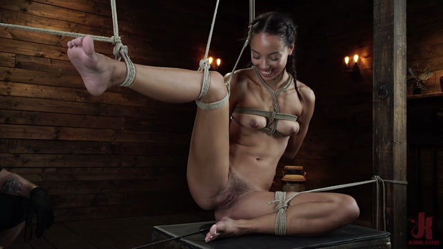 Watch Online Porn – Hogtied presents Alexis Tae – Alexis Tae's First Time Being tormented in Grueling Bondage – 01.08.2019 (MP4, HD, 1280×720)