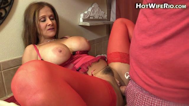 Watch Online Porn – Hotwiferio presents Rio Blaze in 2018-01-21 LINGERIE MOM CREAMPIE (MP4, FullHD, 1920×1080)