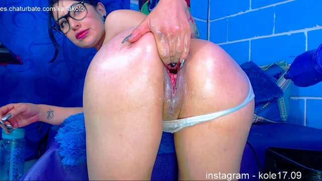 Karlakole_in_Squirting_Teen_Dildo_DAP_And_Self_Fisting_Vaginal.mp4.00009.jpg