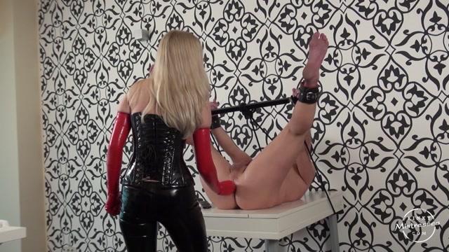 Watch Online Porn – Kinky Mistresses – Double Fist. Starring Lilse von Hitte (MP4, HD, 1280×720)