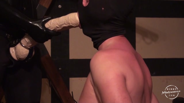 Watch Online Porn – Kinky Mistresses – Suck My Extra Large Strap On (MP4, HD, 1280×720)