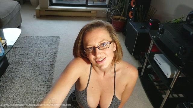 Watch Online Porn – ManyVids presents Kinkykatlive in Step Mum Suck & Fuck (MP4, FullHD, 1920×1080)